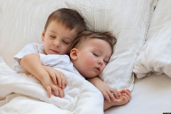 dạy con kiểu nhật dạy trẻ thói quen tự ngủ