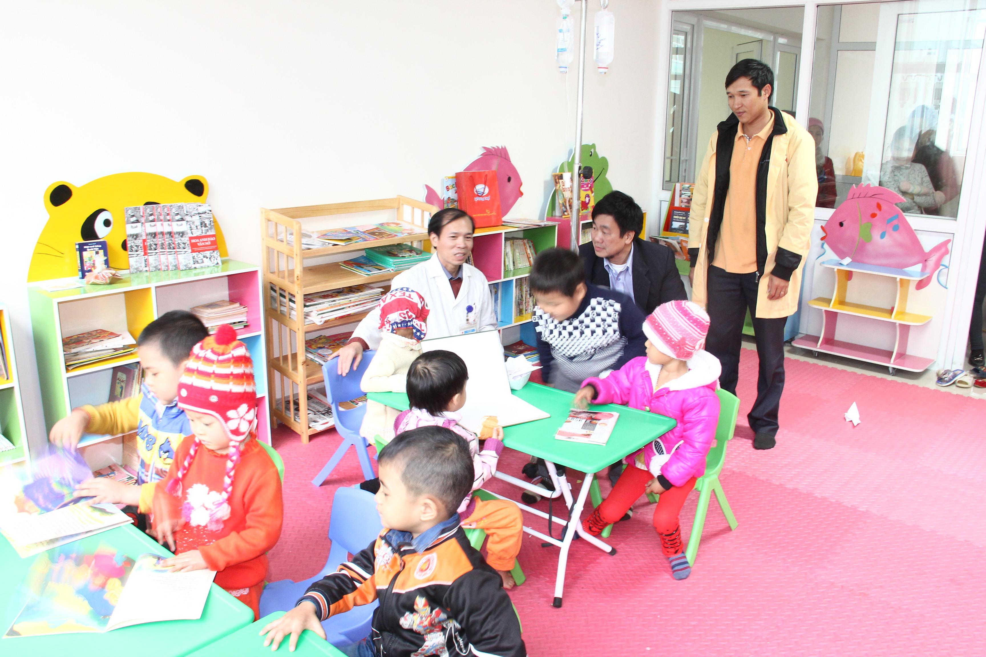Trò chơi cho trẻ em giúp trẻ phát triển thể chất và giác quan.