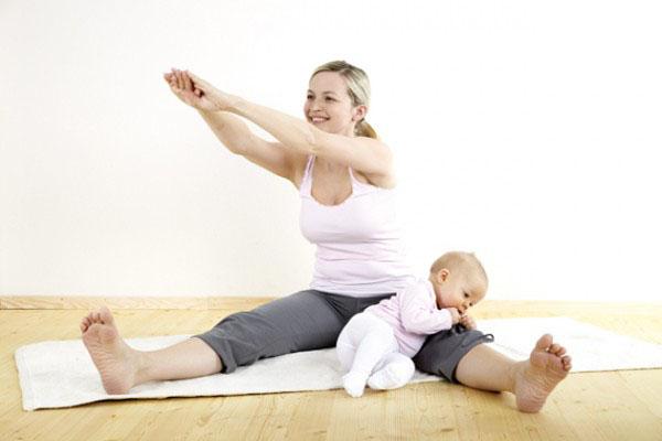 Mẹo lấy lại vóc dáng thon gọn sau khi sinh con