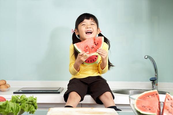 Cách chăm sóc trẻ giúp phòng tránh các căn bệnh mùa hè