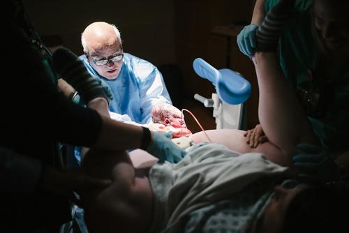 Lặng người trước 21 khoảnh khắc sinh con đến nghẹt thở