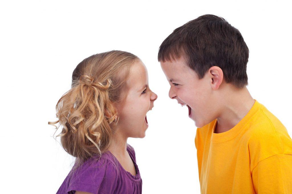 Làm gì khi trẻ bị bắt nạt, trêu chọc