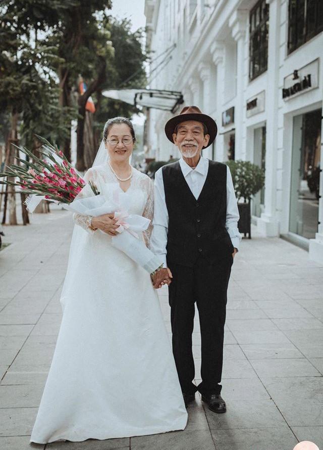 Những bức ảnh cưới ở tuổi U80 của nghệ sĩ Mai Ngọc Căn khiến chúng ta phải suy ngẫm.