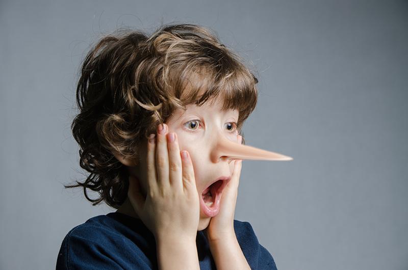 Làm gì khi trẻ nói dối?