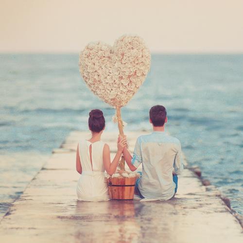 Giữa tình yêu và sự nghiệp, bạn chọn gì?