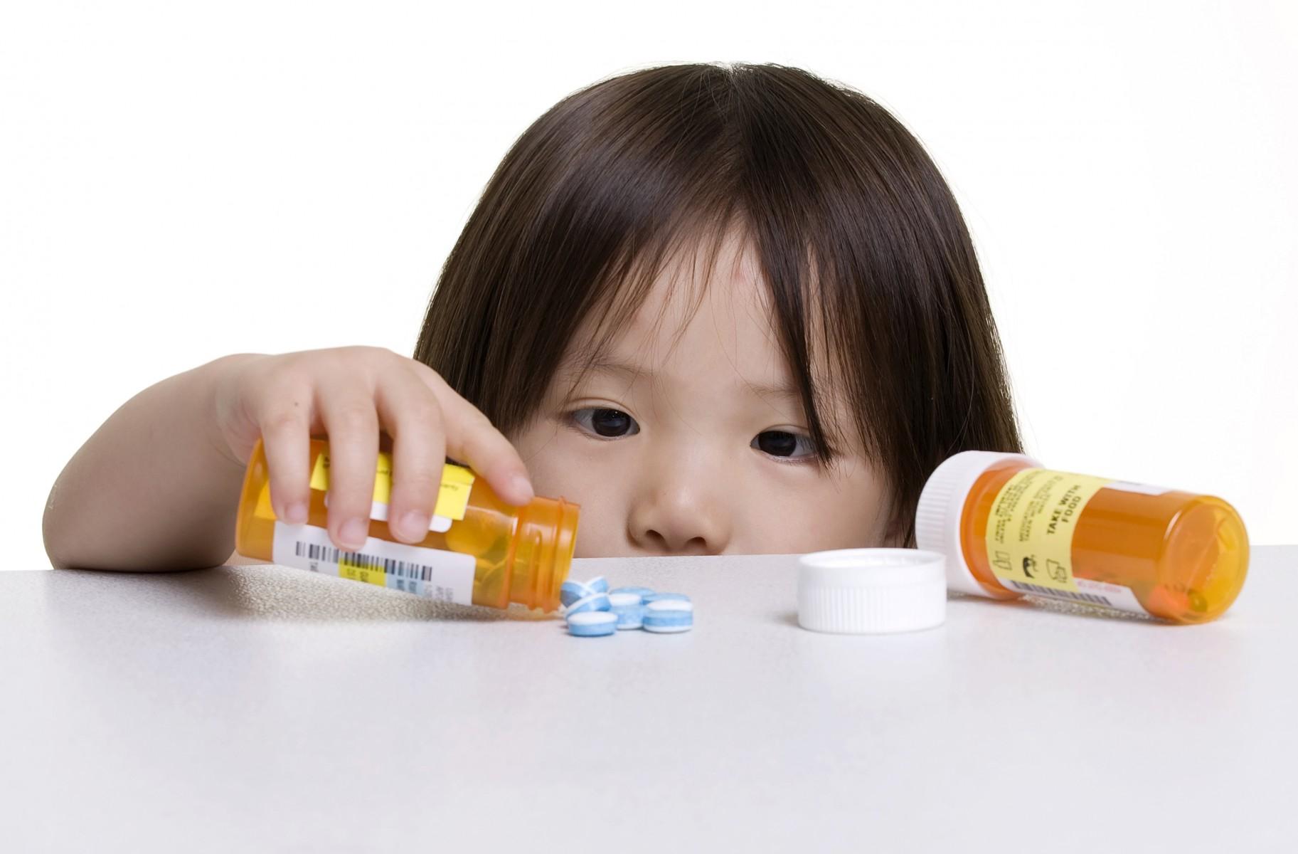 Trẻ bị viêm họng điều trị thế nào?