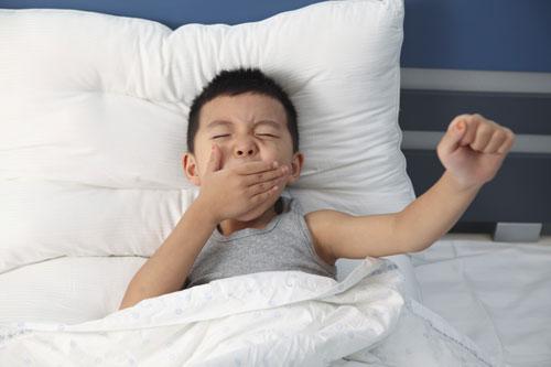 Nguyên nhân trẻ không chịu dậy - Phương pháp đánh thức trẻ dậy hiệu quả.