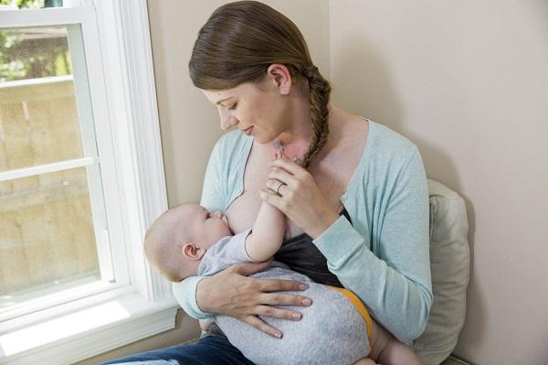 Tổng hợp những tư vấn về sữa mẹ và các vấn đề khi cho con bú mẹ