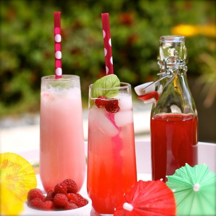 Có nên cho trẻ uống nước ép trái cây thường xuyên không?