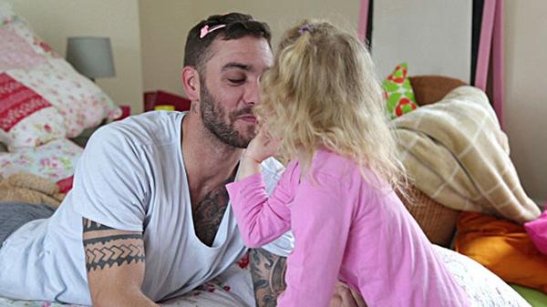 Top những khoảnh khắc của bố va con gái khiến bạn cười không nhặt được mồm