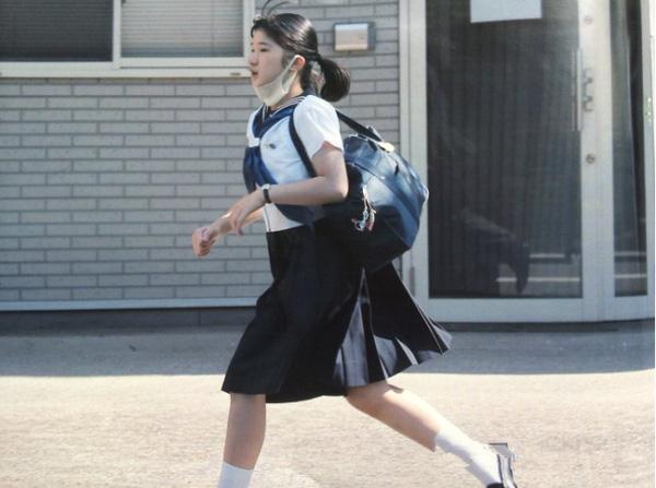 """So sánh cách dạy con vô cùng khác biệt của Hoàng gia Nhật và """"đại gia"""" Trung Quốc"""