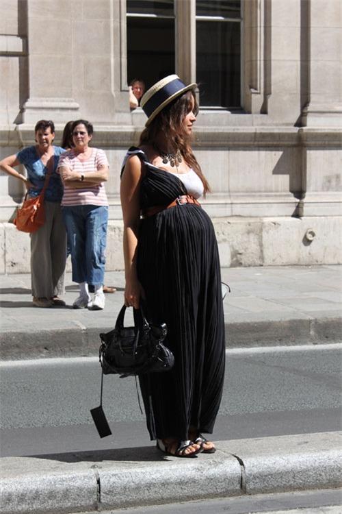 Gợi ý phong cách thời trang dành cho bà bầu