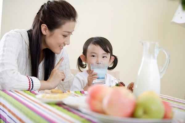 dạy con học ngôn ngữ