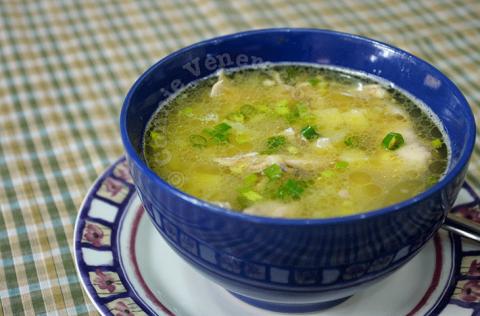 Hướng dẫn nấu món súp gà khoai tây bồi bổ cho bé và cả nhà