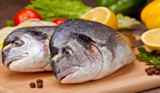 Mẹo làm mất mùi tanh của cá khi chế biến món ăn cho bé