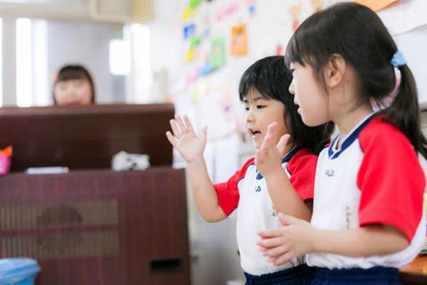 5 sự khác nhau về cách dạy con của người Nhật và người Việt ( từ 0 - 10 tuổi )