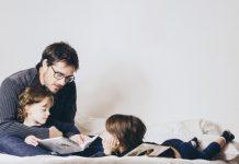 8 cách tạo mối quan hệ gần gũi giữa bố mẹ và bé