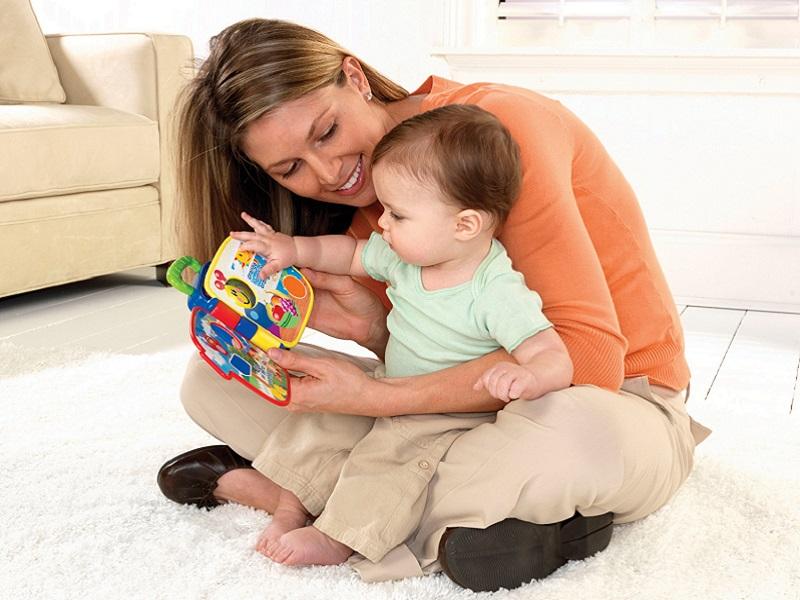 Trò chơi cho trẻ dưới 6 tháng tuổi