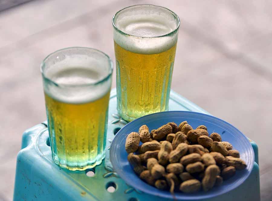 Bia hơi Hà Nội, nét văn hóa lạ lùng.