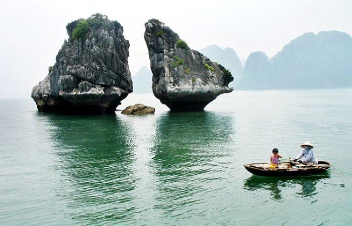Hòn Trống Mái - biểu tượng của du lịch Hạ Long