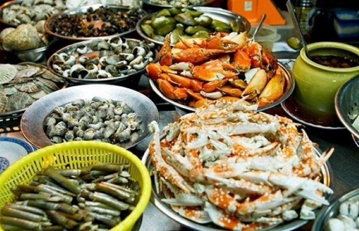 Thưởng thức hải sản tươi sống ở Hạ Long