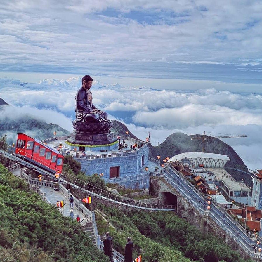 Toàn cảnh đỉnh Fansipan
