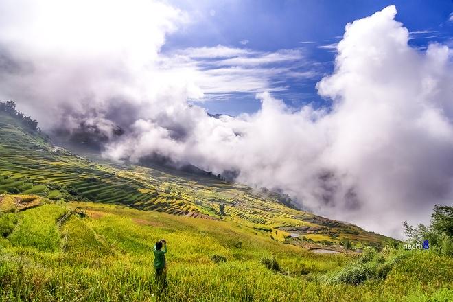 Mây về trên cánh đồng tại xã Y Lý