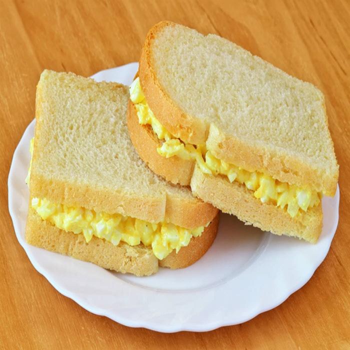 bánh mì kẹp trứng