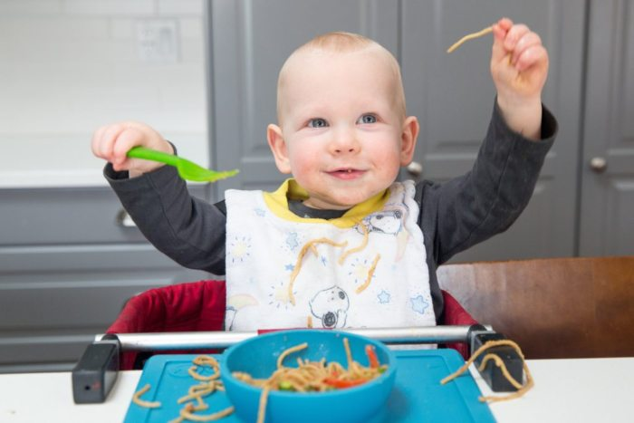 Ghế ăn dặm tạo cảm giác cho bé ăn ngon hơn
