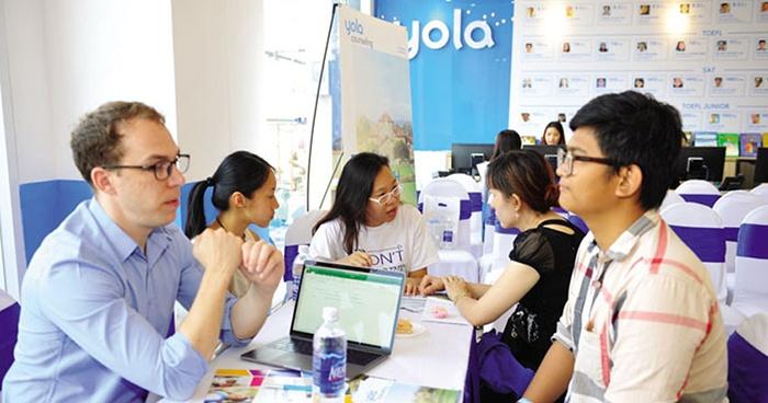 Có nên cho bé học trung tâm ngoại ngữ Yola không?
