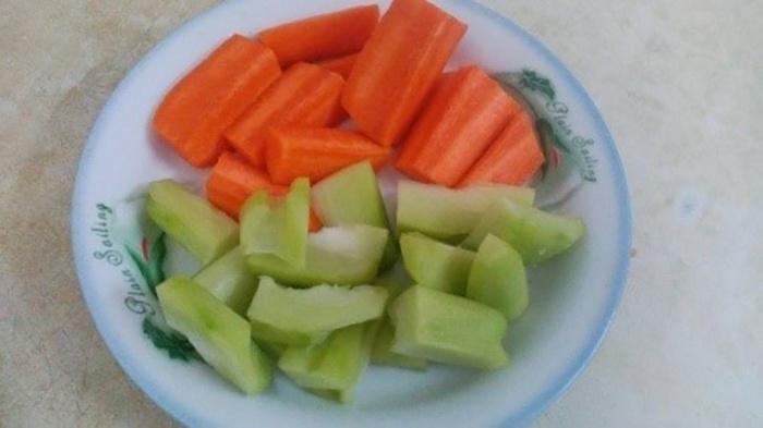Thực đơn sau sinh cho mẹ bầu nên bổ sung món rau củ luộc
