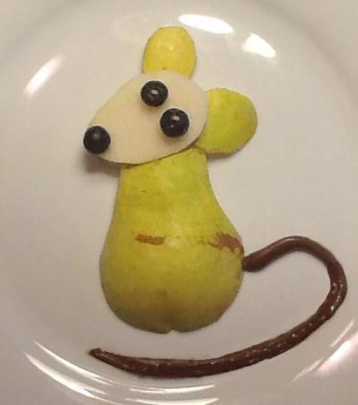 Chú chuột dễ thương từ hoa quả