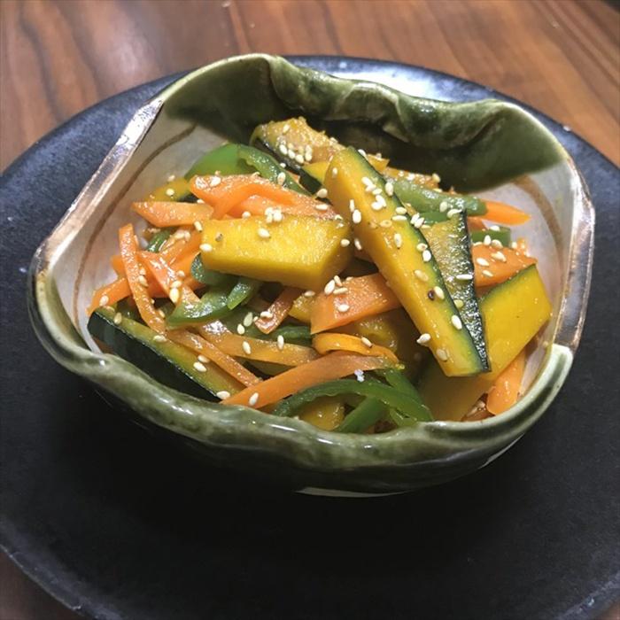 Cách nấu món kinpira từ bí đỏ và cà rốt
