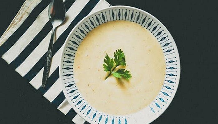 Món Súp cá hồi khoai tây cho bé ăn dặm