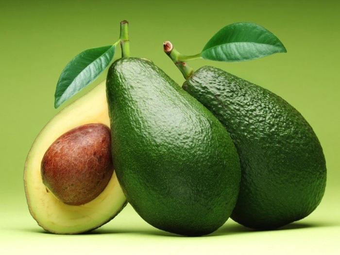 Bơ loại trái cây cung cấp rất nhiều dinh dưỡng cho trẻ 6 tháng tuổi