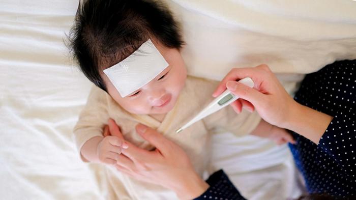 dấu hiệu trẻ bị sốt siêu vi