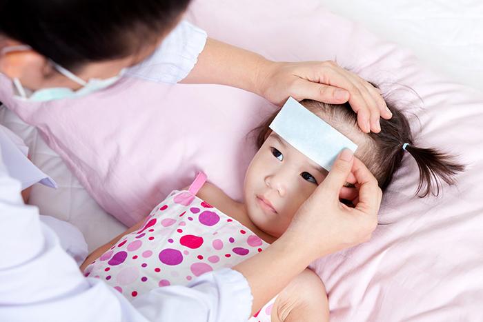 Nguyên nhân trẻ bị sốt siêu vi