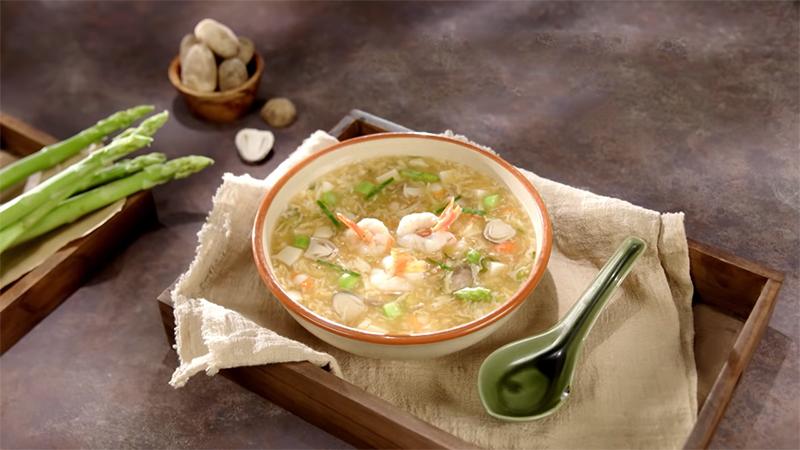 Cách nấu súp tôm măng tây cho bé ăn dặm