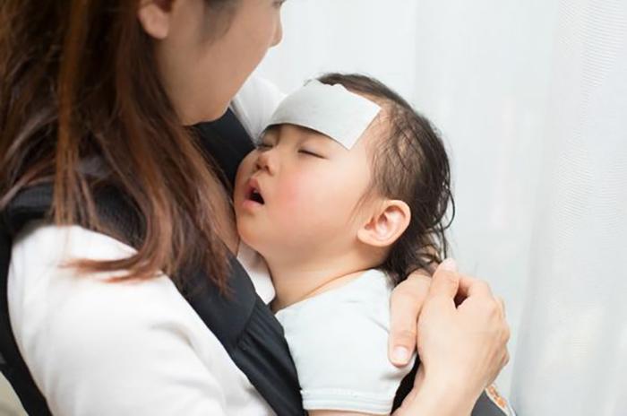 trẻ sơ sinh bao nhiêu độ là bị sốt