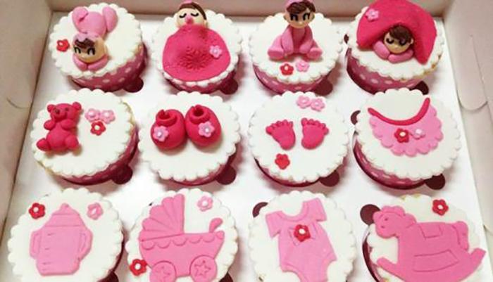 bánh kem cupcake cho bé gái qua hình ảnh sinh hoạt