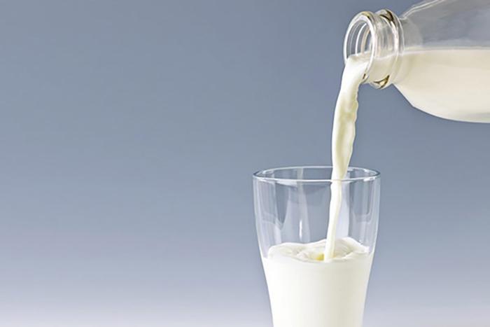 sữa tươi có tốt không cho mẹ sau sinh