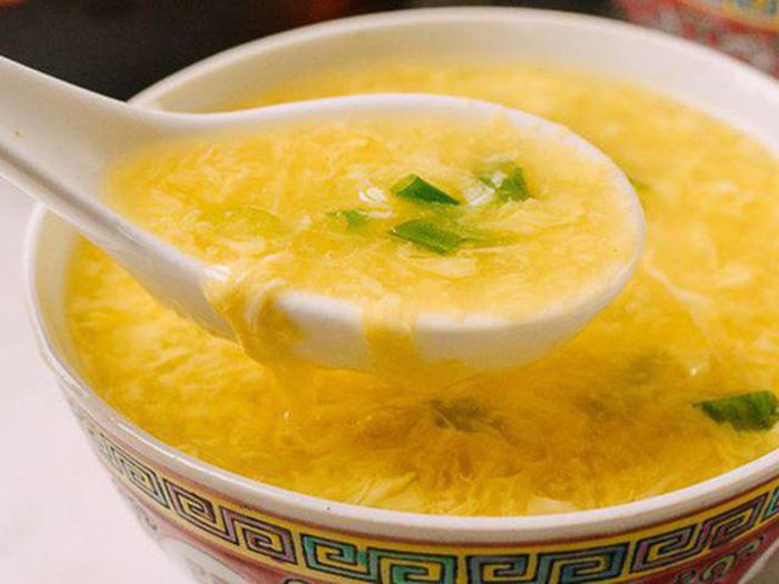 súp khoai lang trứng gà cho bé