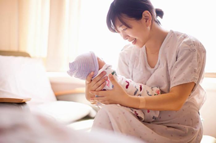 tại sao nên kiêng cử sau sinh