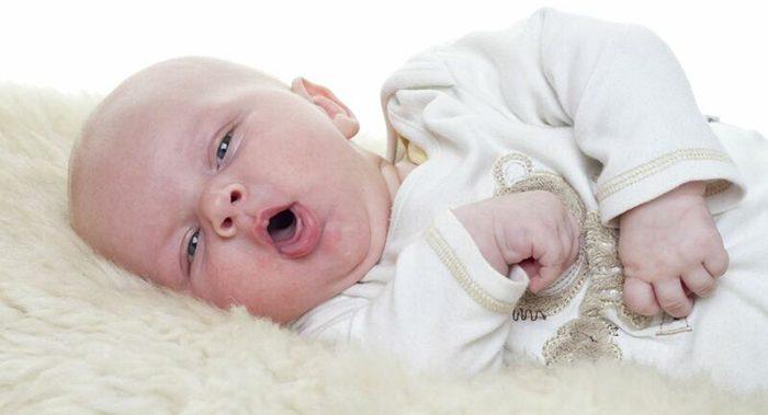 dấu hiệu viêm phế quản ở trẻ sơ sinh